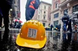 ILVA: Librandi (SC), a rischio industria italiana, estendere legge salva-ILVA a società gruppo