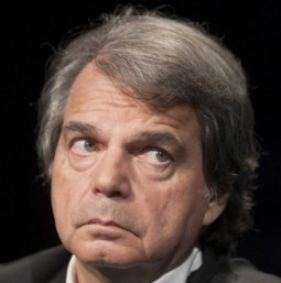 Berlusconi: Librandi (Sc), Brunetta stia tranquillo, a portargli le pantofole c'è già Dudù