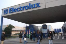 Electrolux: Librandi (SC), perche' mancia ad Alitalia? Invertire rotta