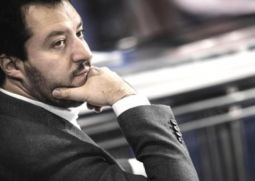 Lega: Librandi (SC), Salvini fa rimpiangere il Trota, preoccupante difesa eversivi