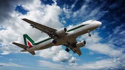 Alitalia: Librandi, troppi parenti viaggiano gratis, abolire privilegi