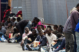 Migranti: Librandi, Governi UE scaricano problemi su Italia